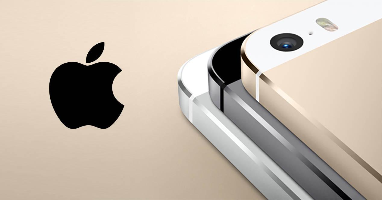 iphone 5s en colores dorado, gris y blanco