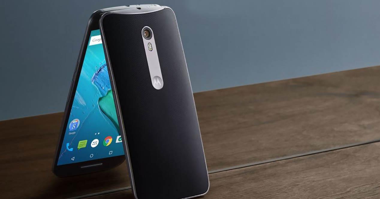 Motorola Moto X Play en color negro