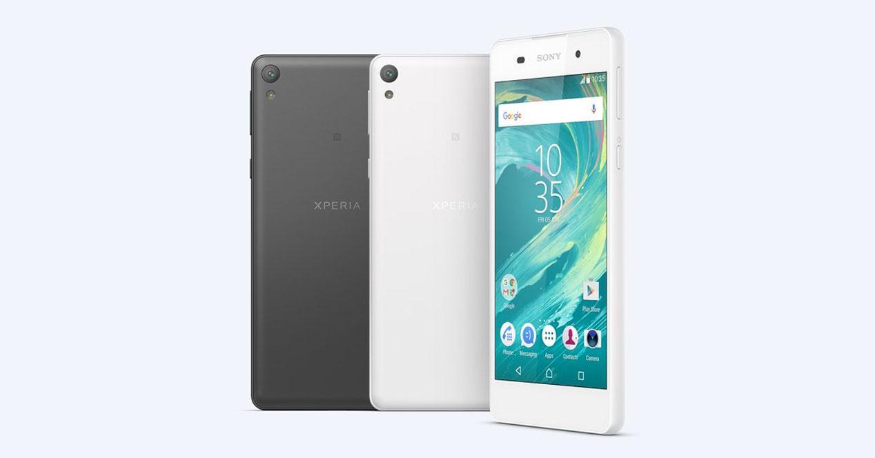 Sony Xperia E5 en blanco y negro