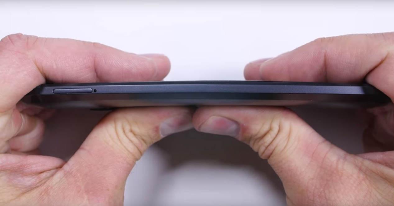 HTC 10 bendgate