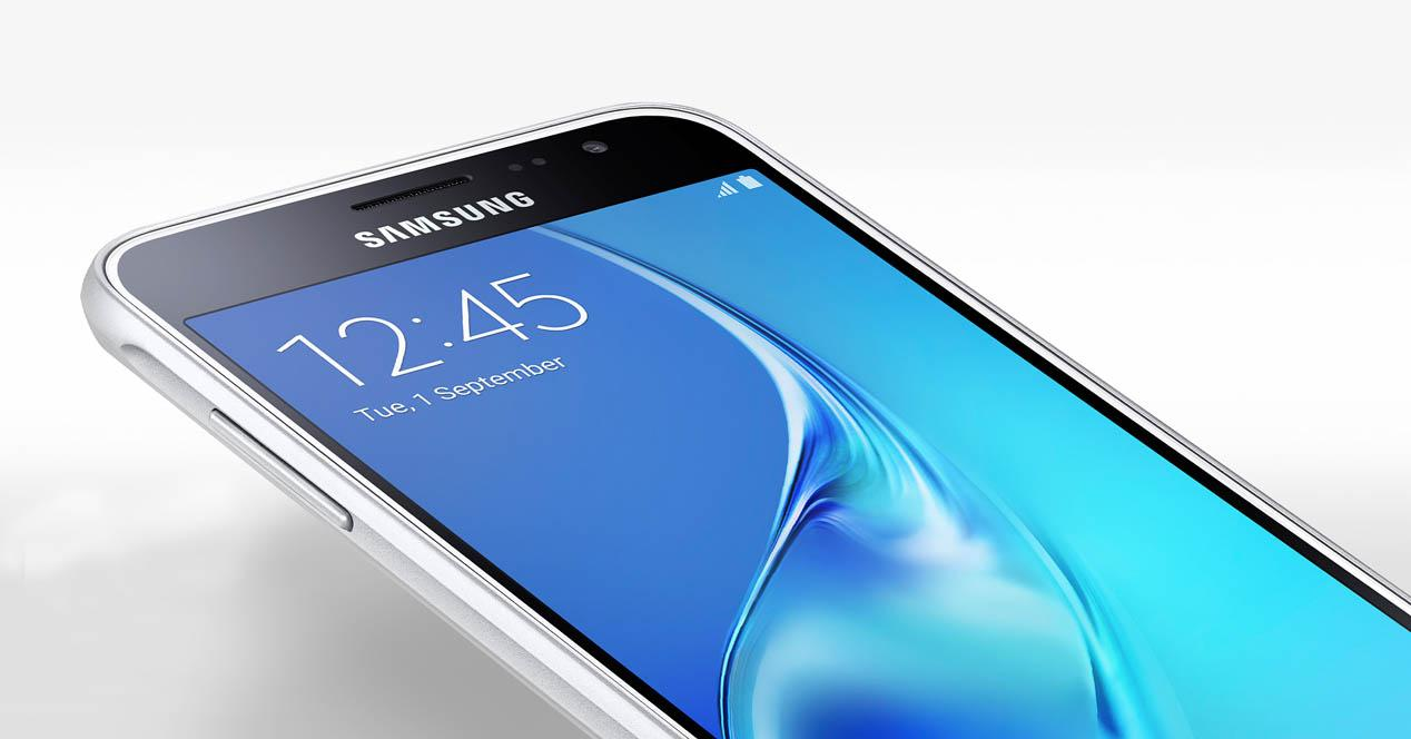 Samsung Galaxy J3 2016 portada