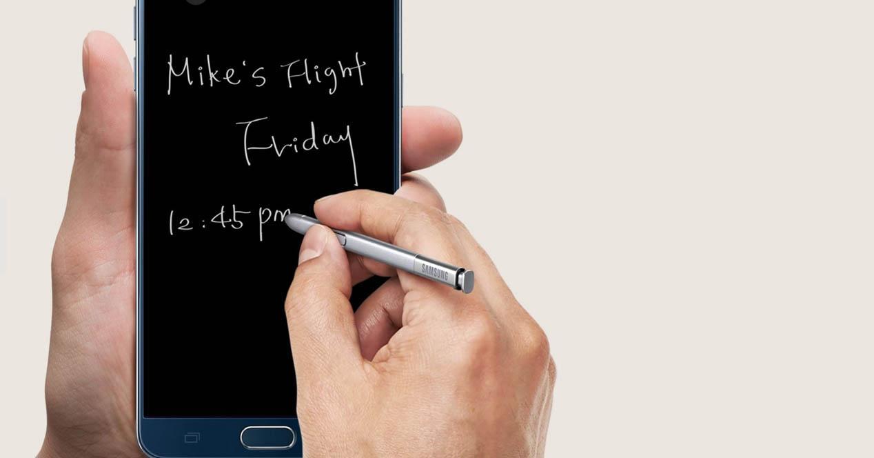 Samsung Galaxy Note 5 con S Pen