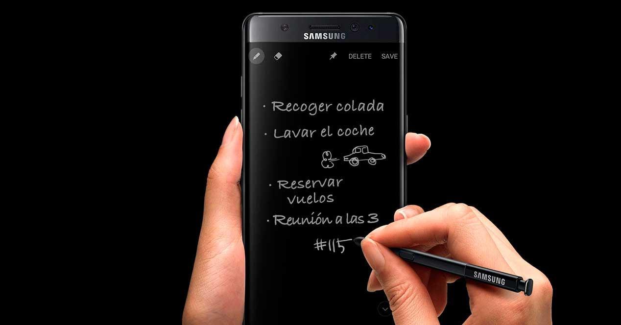 Samsung Galaxy Note 7 tomando notas