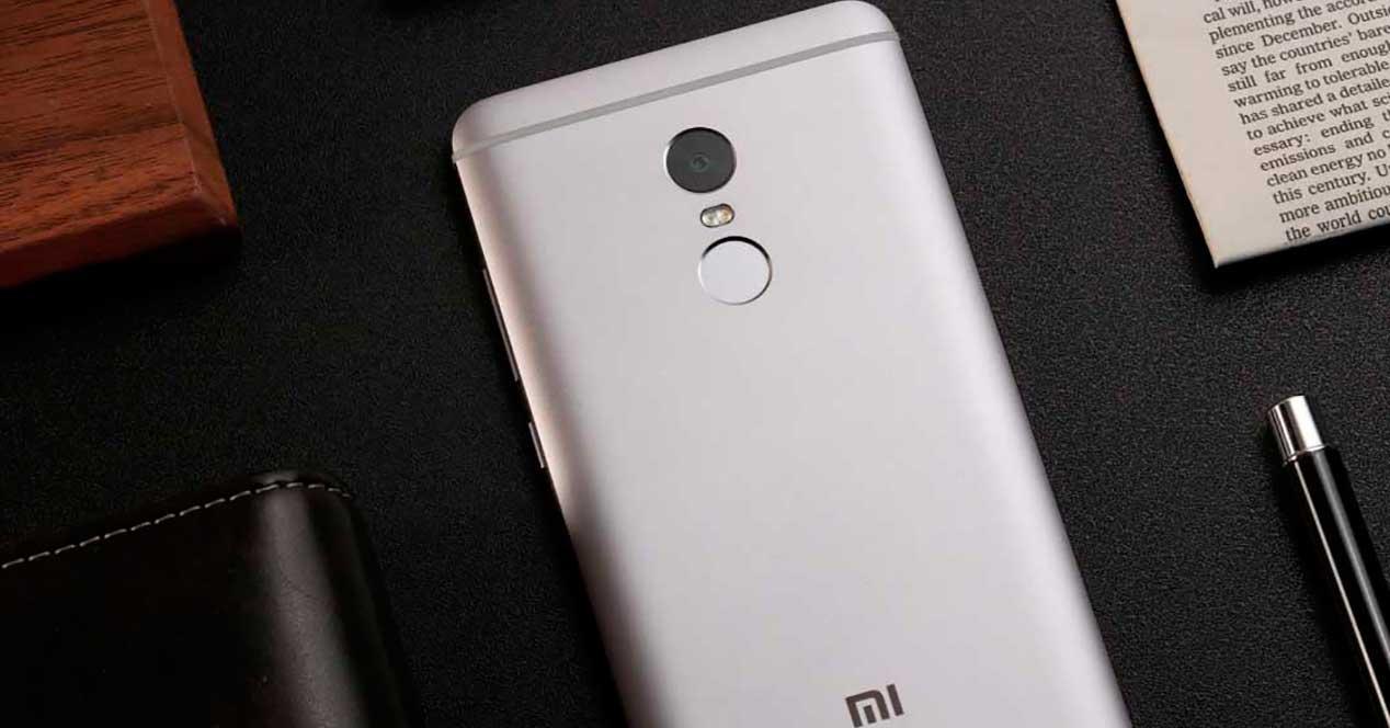 Xiaomi Redmi Note 4 de color gris