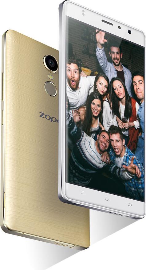 Zopo Color F1 dorado con gente joven en la pantalla