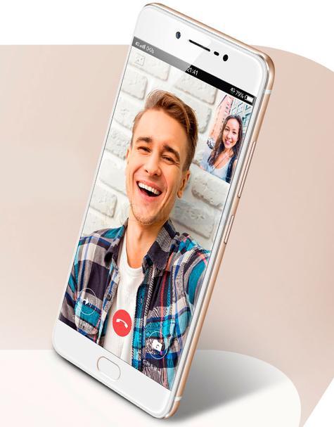 Vivo X7 Plus blanco con chico joven en pantalla