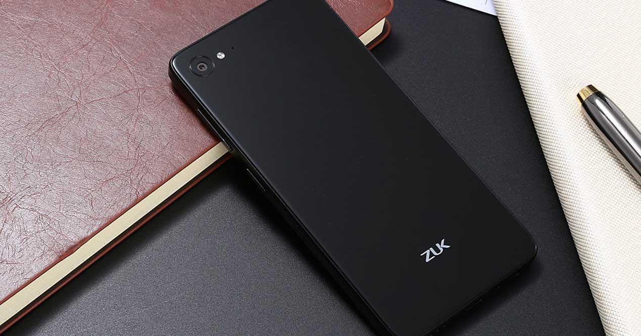 Zuk Z2 de color negro