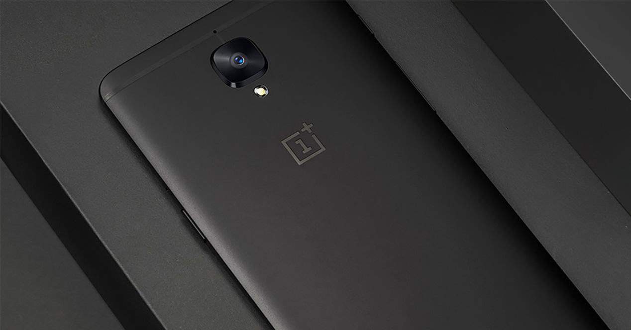 OnePlus 3T gris con 128 GB