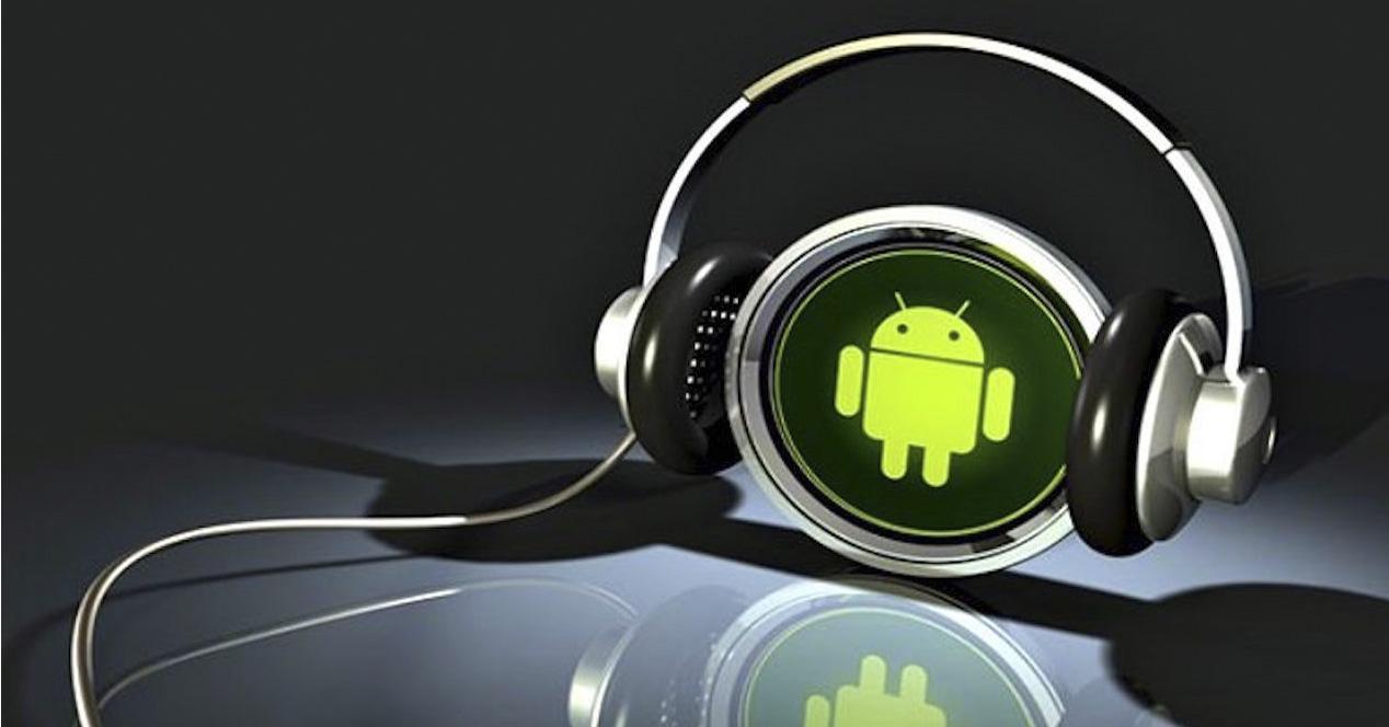 Android con cascos