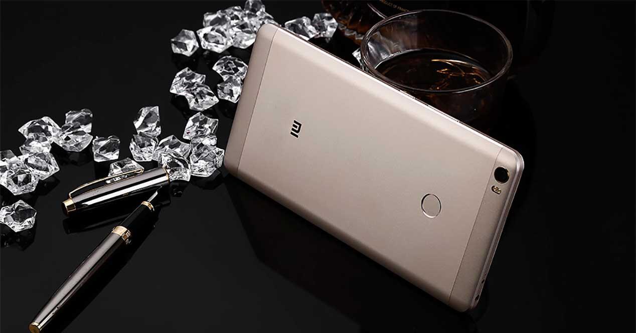 pantalla del Xiaomi Mi Max 2