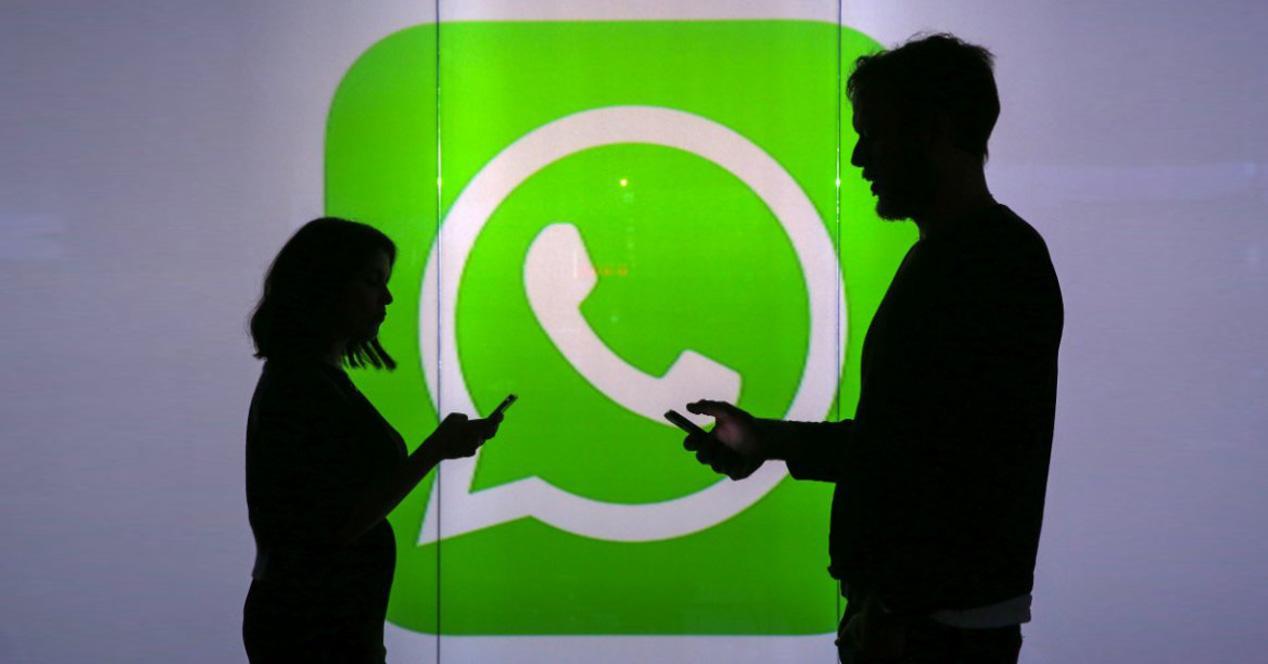 gente con whatsapp
