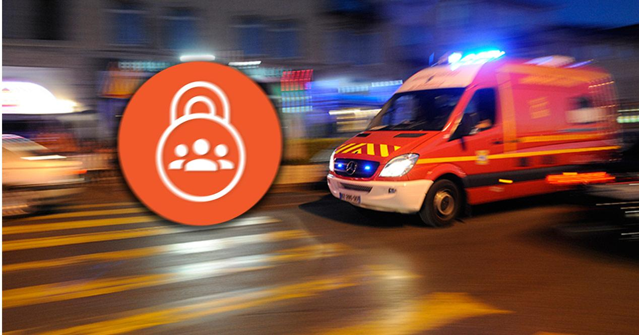 Ambulancia atendiendo una emergencia
