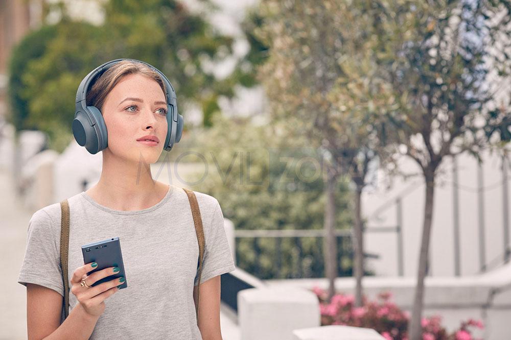 Sony Xperia XZ1 con auriculares