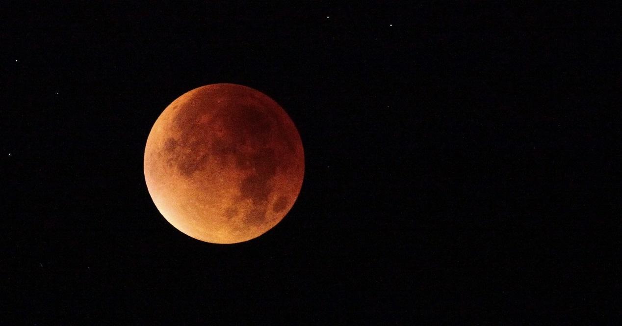 sigue el eclipse lunar del 7 de agosto con estas apps