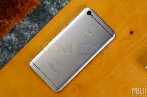 Xiaomi Redmi Note 5A plata vista trasera