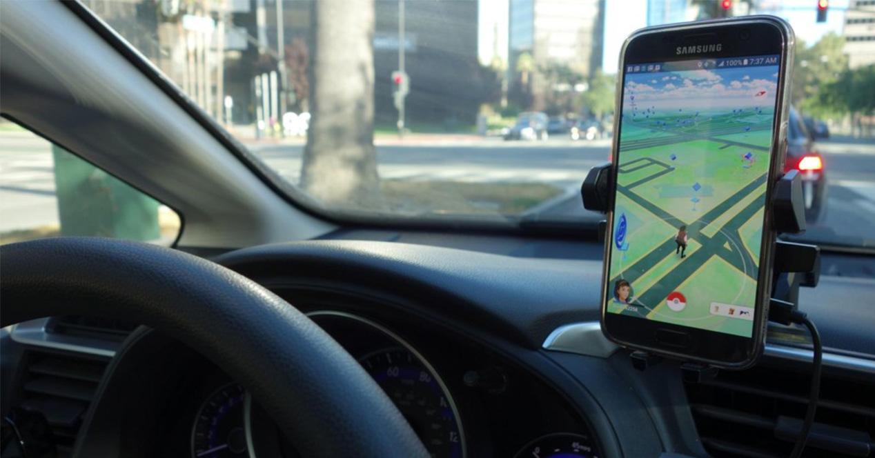 Pokémon GO en el coche