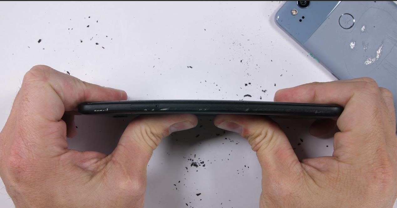 Test de resistencia del Google Pixel 2 XL en vídeo