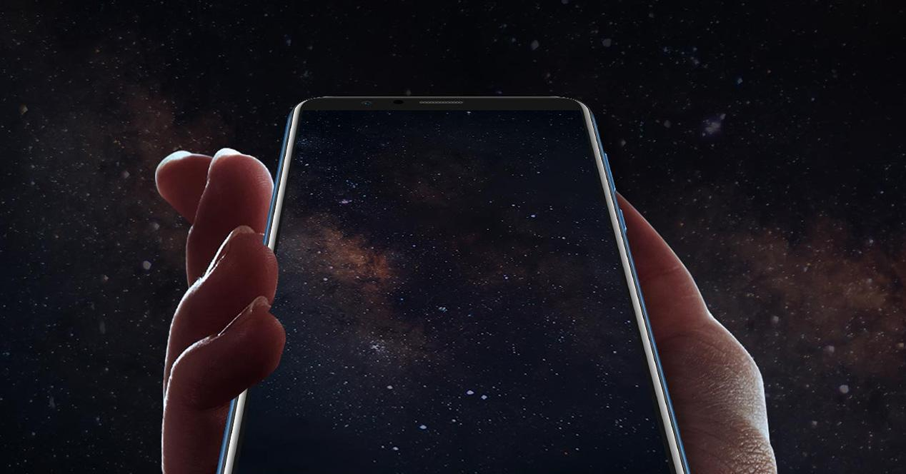 Pantalla infinita en un smartphone