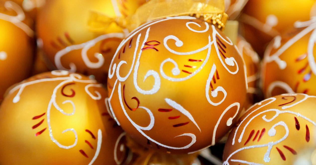 bolas de navidad naranjas