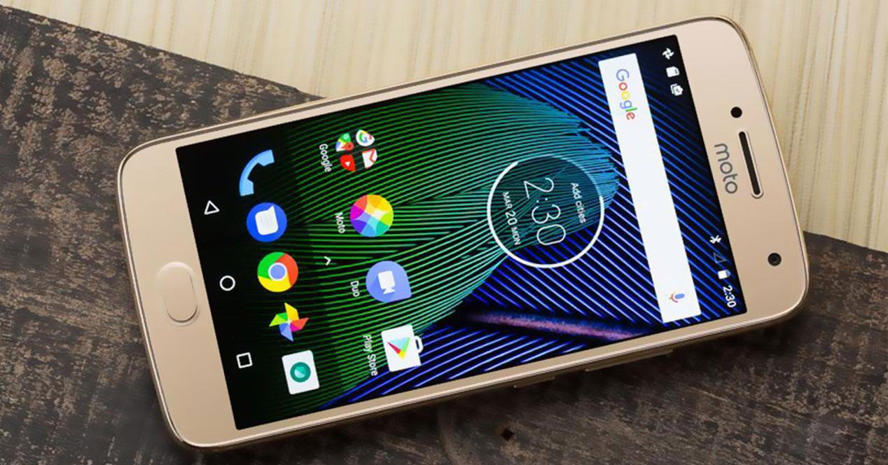 Motorola Moto G5 en color oro
