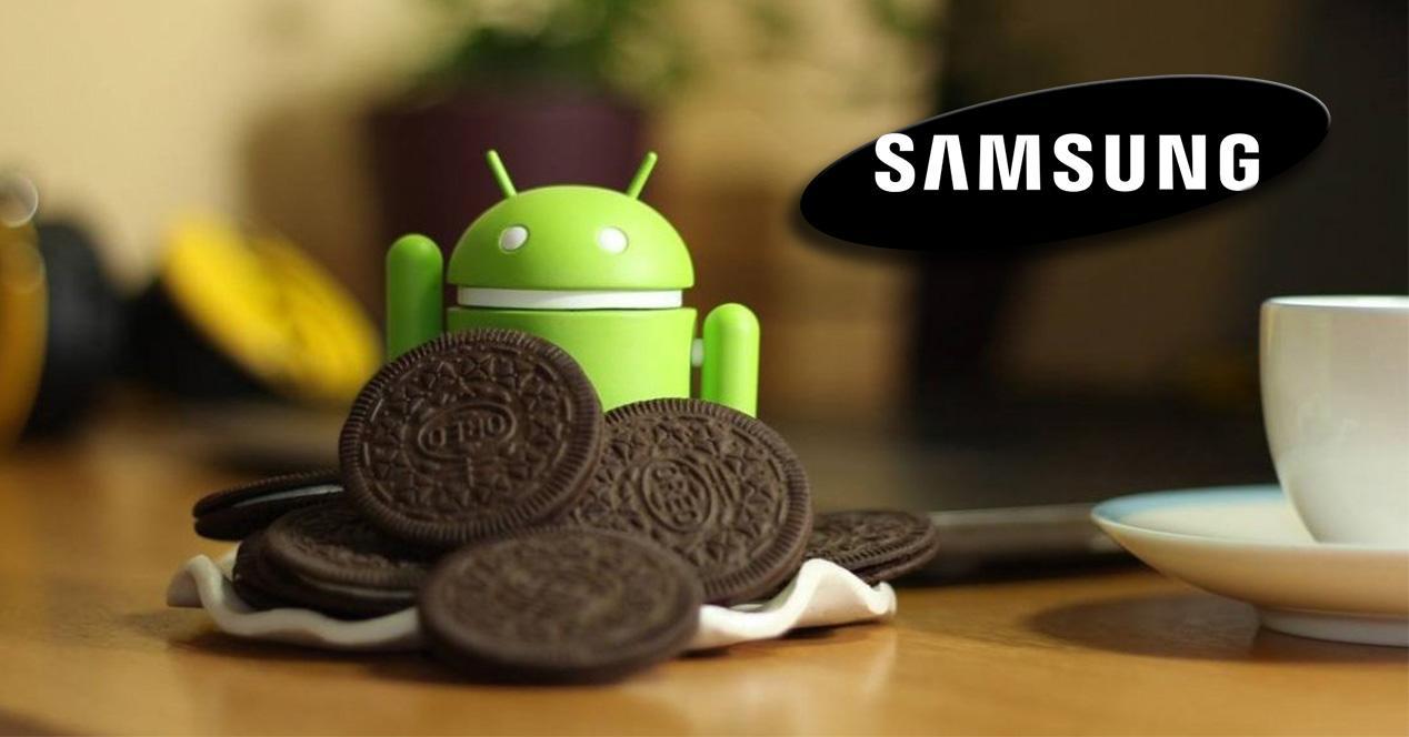 Logo Samsung con galleta Oreo