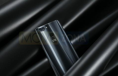 ZTE Blade V9 negro vista trasera de la carcasa y de la cámara