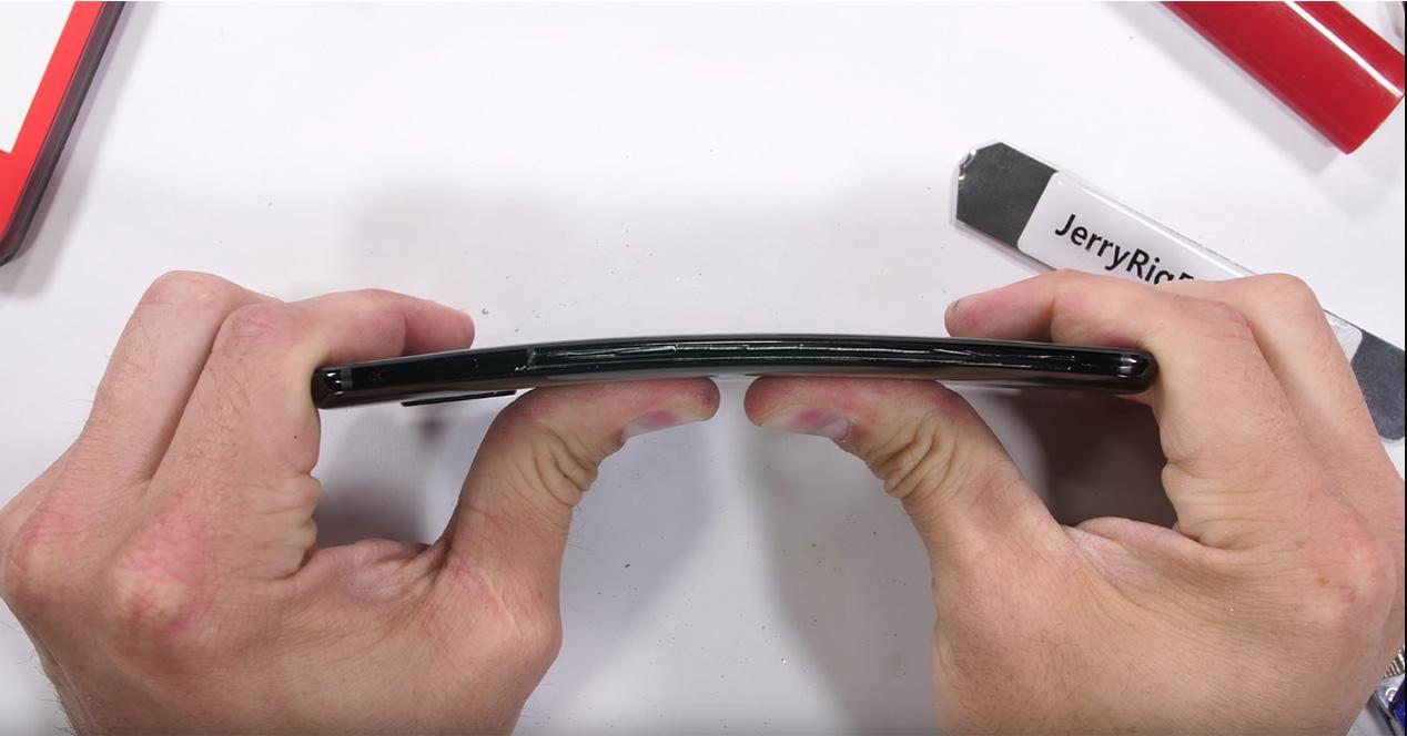 Test de resistencia del OnePlus 6