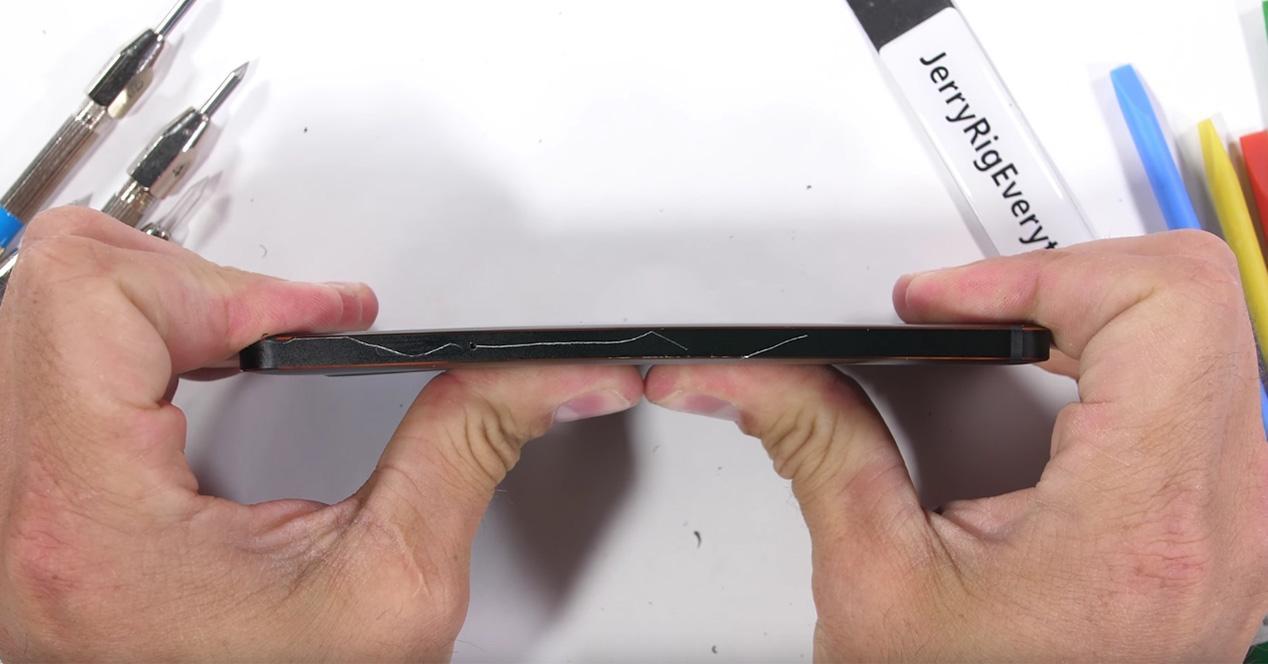 Test de resistencia del Nokia 6.1 en vídeo
