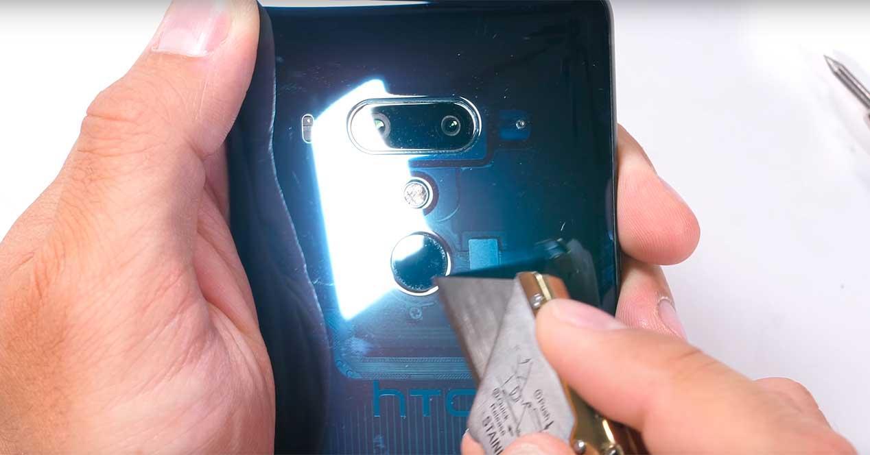 resistencia del HTC U12+