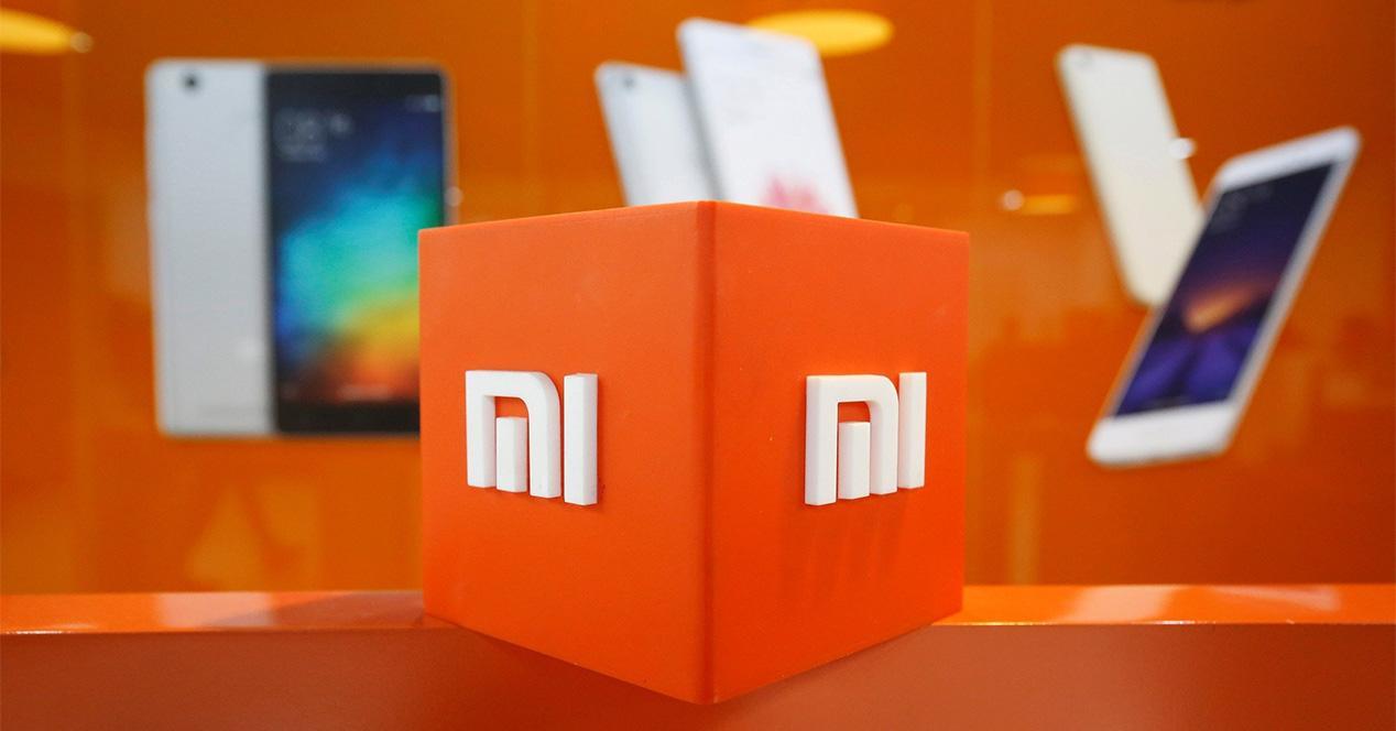 Logotipo de Xiaomi de color naranja