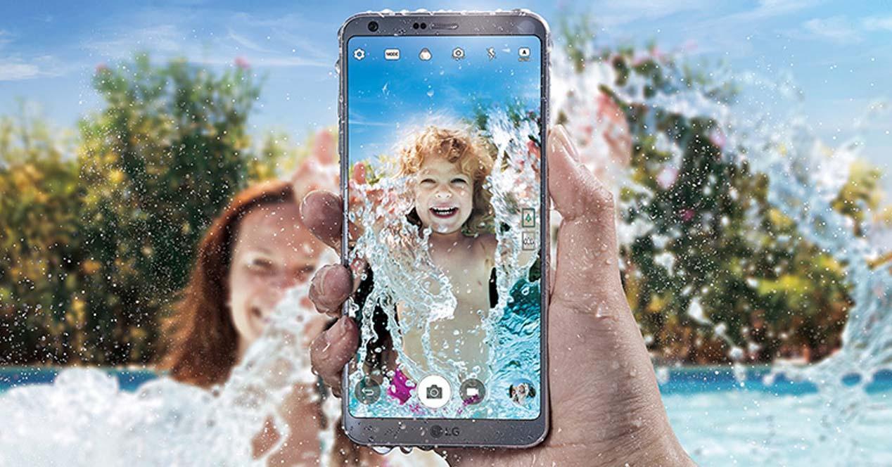 resistencia al agua de tu smartphone