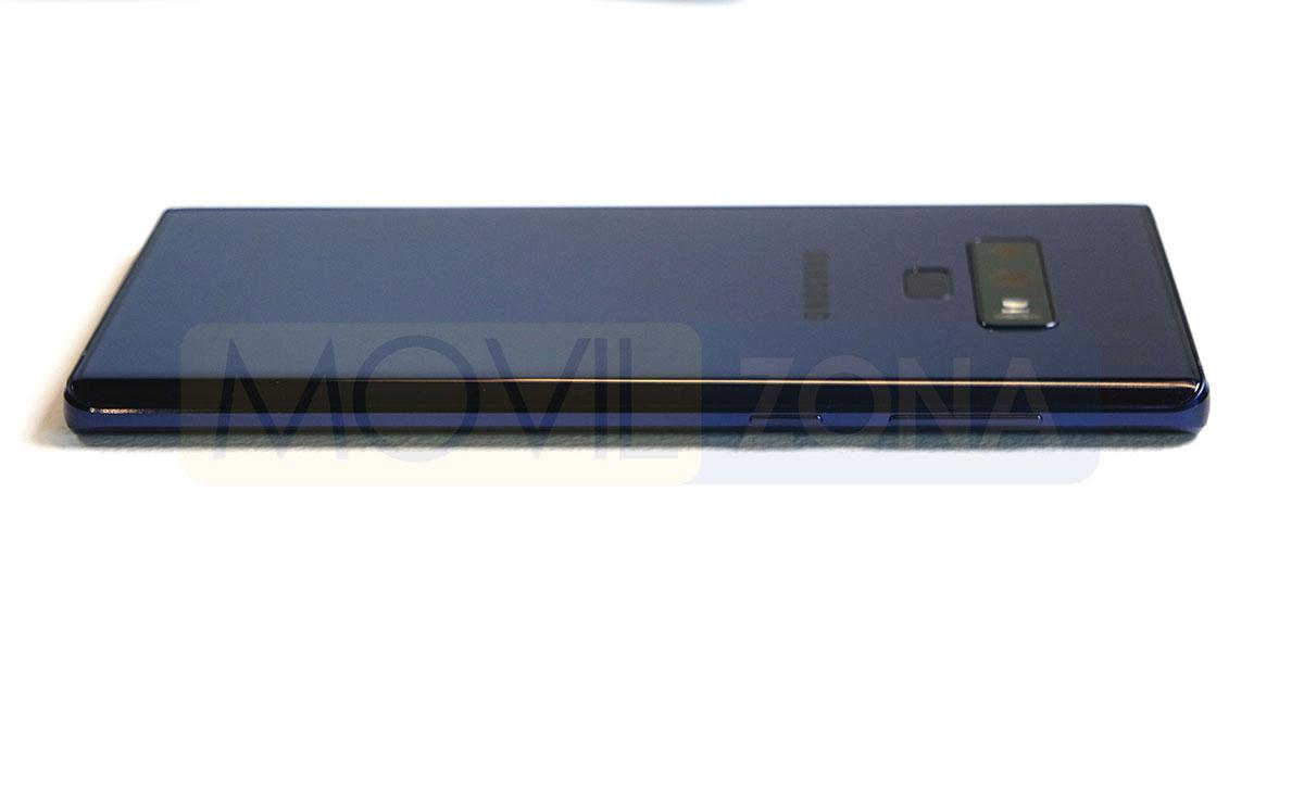 Samsung Galaxy Note 9 vista lateral
