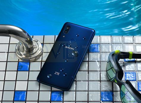 ZTE Axon 9 Pro agua
