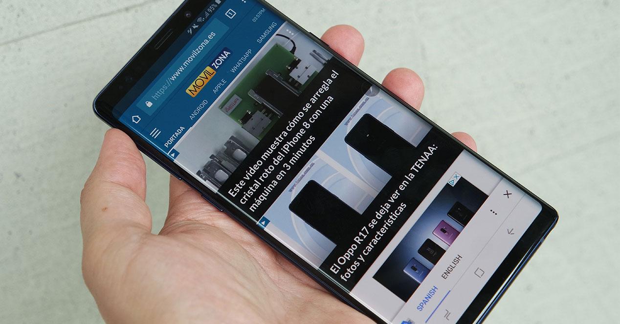 samsung galaxy note 9 con movilzona en pantalla