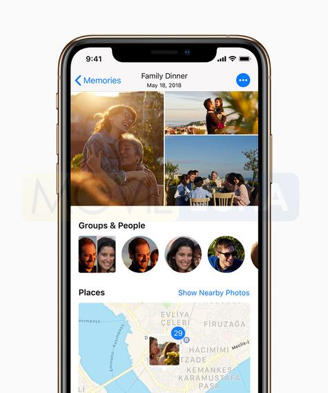 Apple iPhone Xs social media