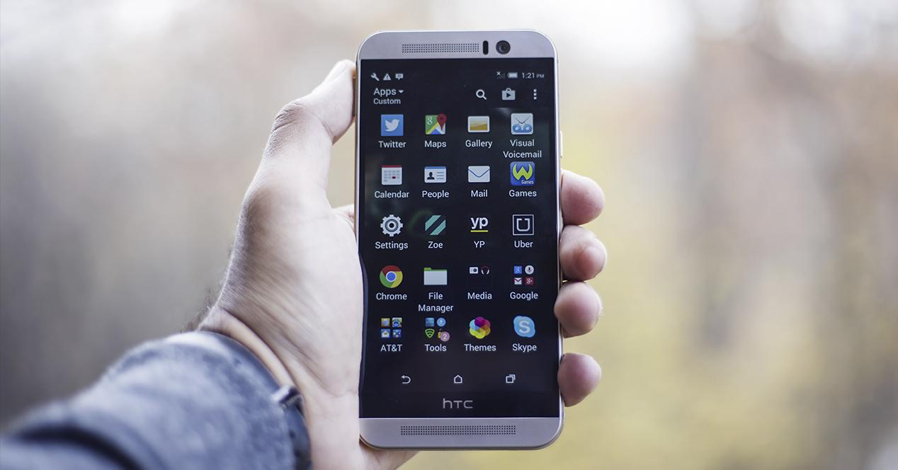 telefono HTC con apps android