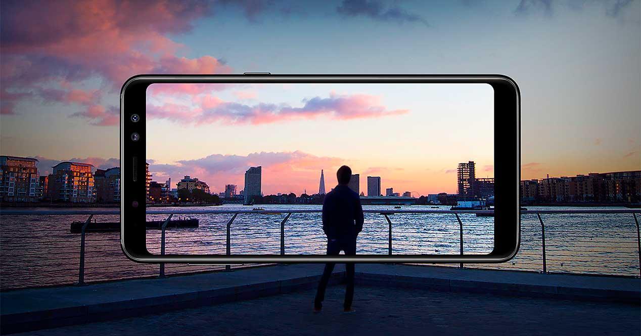 pantalla del Samsung Galaxy A8s