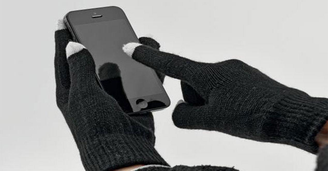 usar móviles con guantes