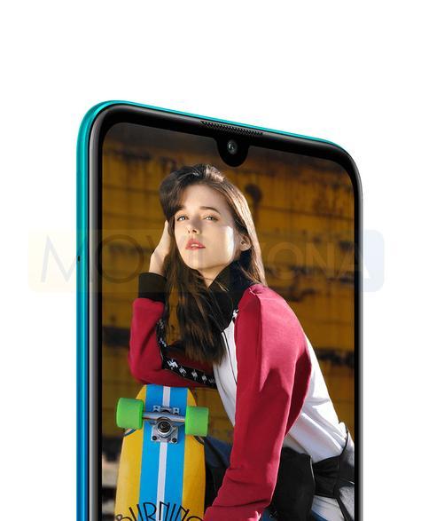 Huawei Y7 Pro 2019 azul con chica en portada