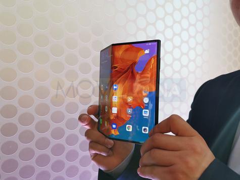 Huawei Mate X abierto