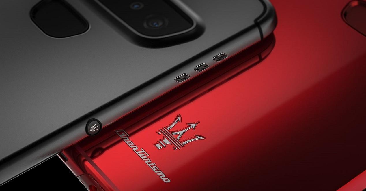 Maserati-GranTurismo-Concept-Phone-6