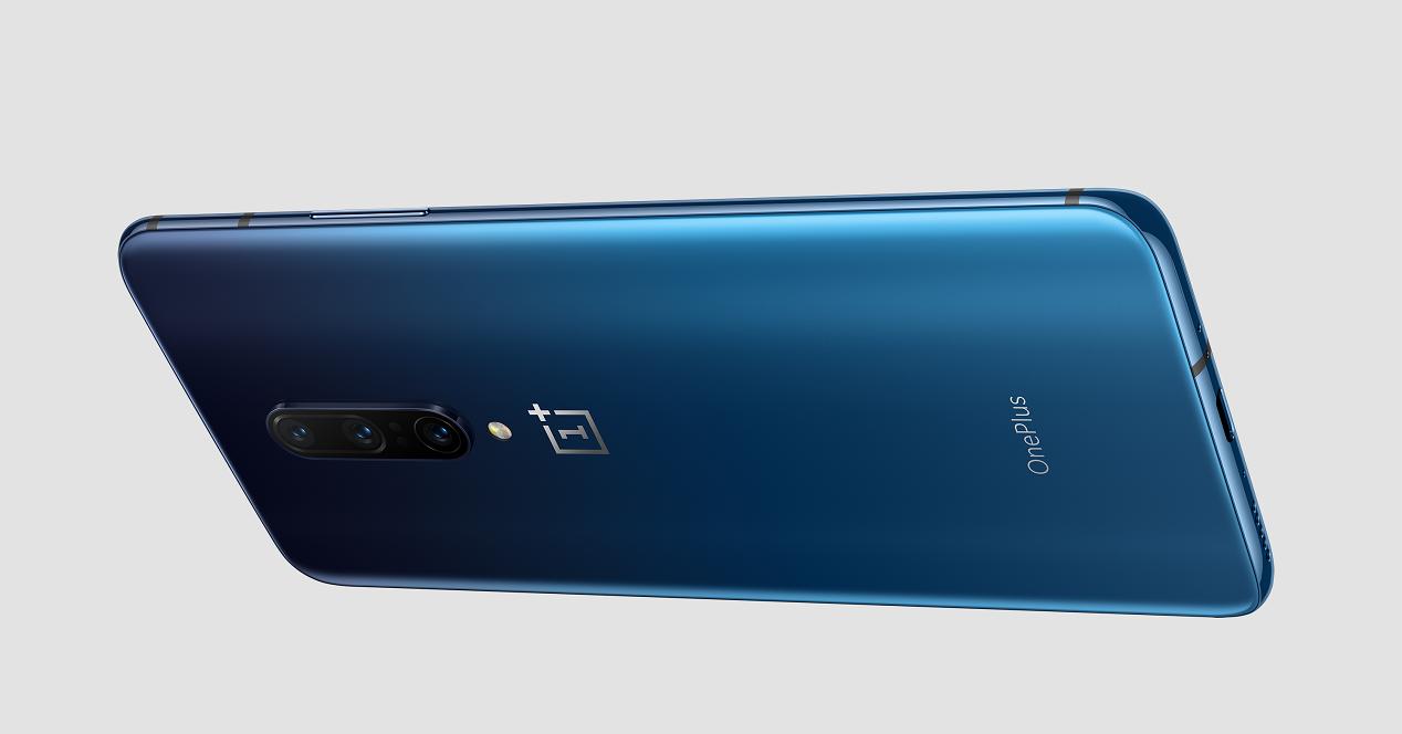 OnePlus 7 Pro azul trasera