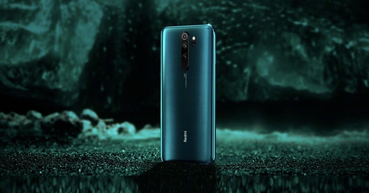 Xiaomi Redmi Note 8 Pro fondo verde