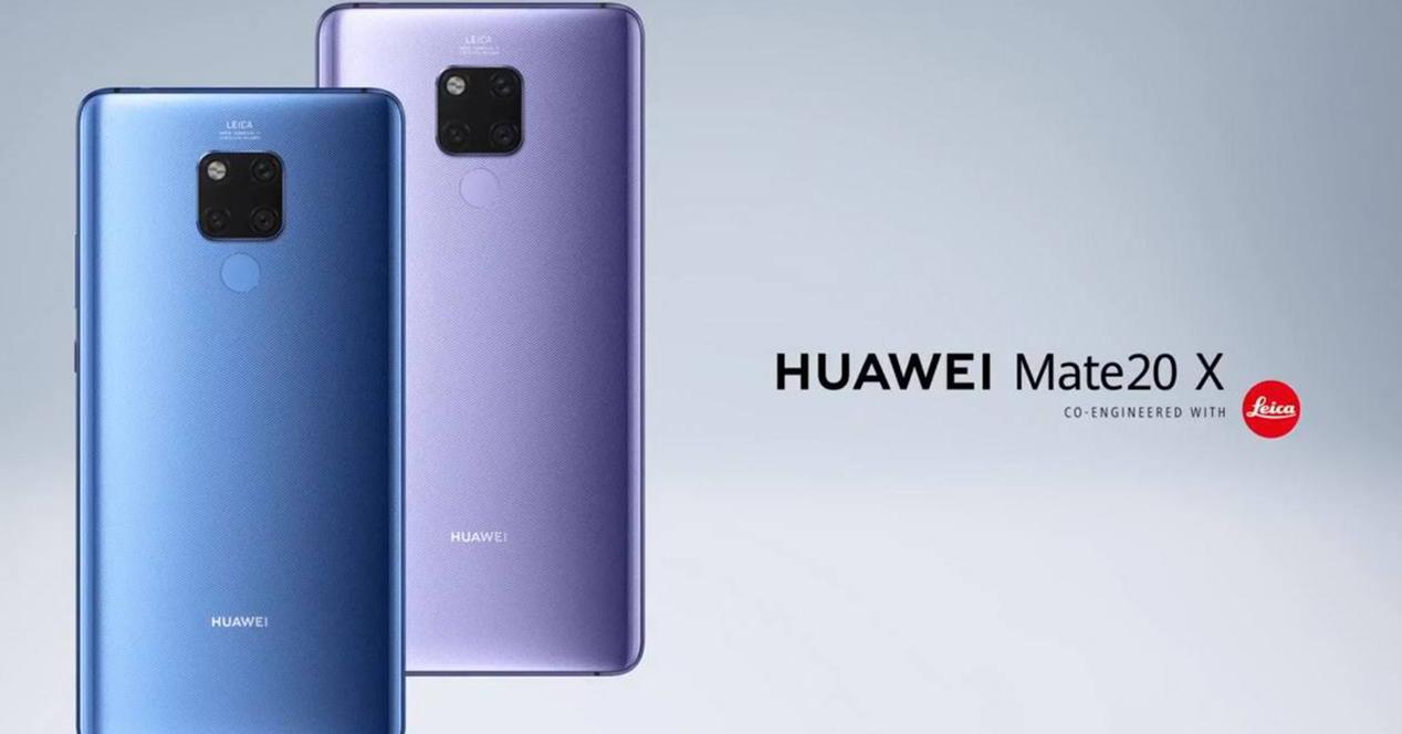 Huawei Mate 20 X en su parte trasera
