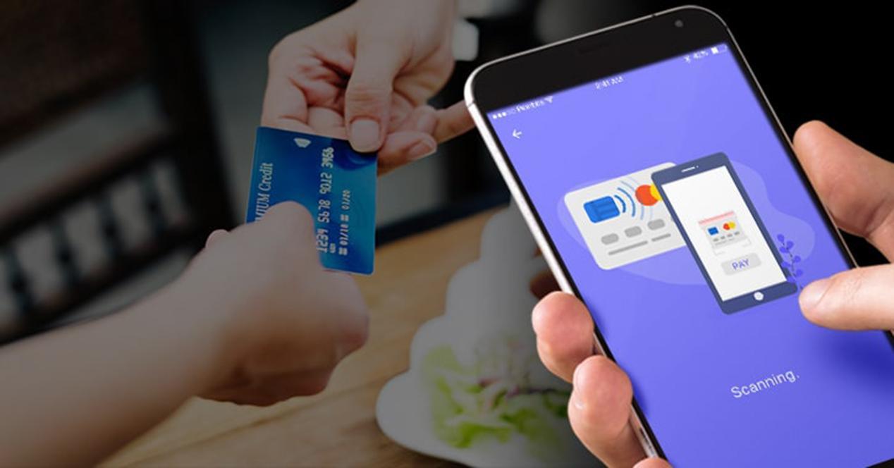 Móvil realizando pago mediante NFC