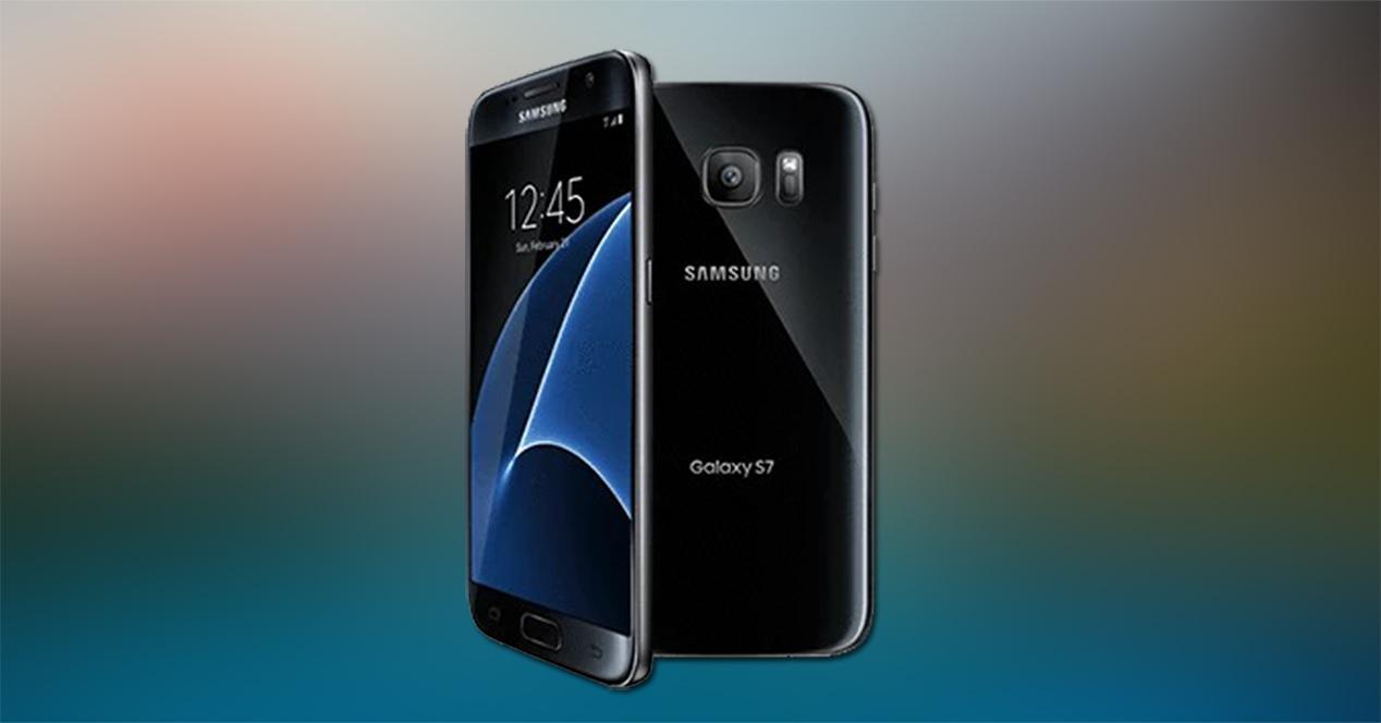 Frontal y trasera del Samsung Galaxy S7 en color negro