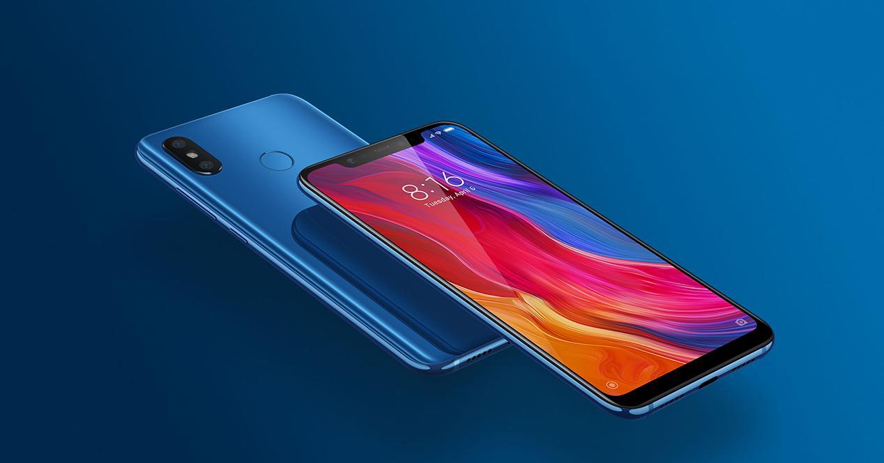 Frontal y trasera del Xiaomi Mi 8 en azul