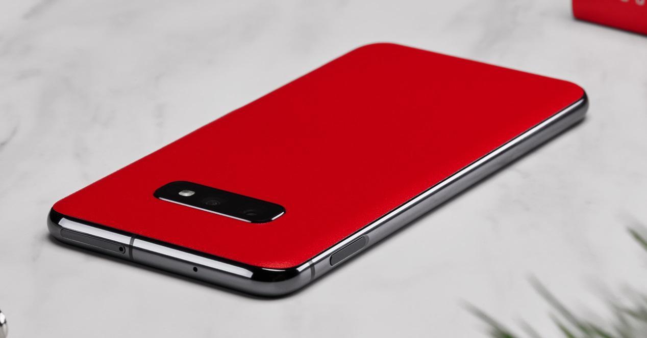 Galaxy S10e rojo