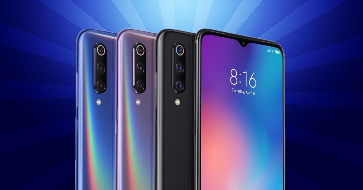 Xiaomi Mi 9 fondo azul con rayos
