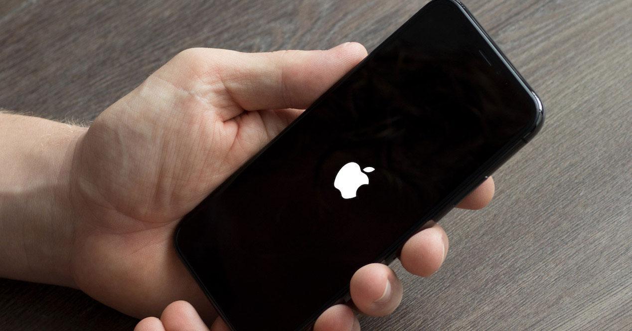 iphone logopedias apple